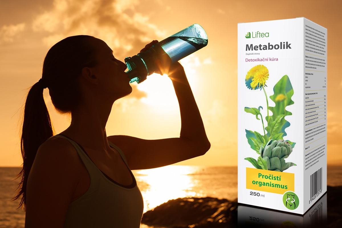 Liftea Metabolik je tekutý přípravek na pročištění organismu, který se užívá tak, že si denně rozpustíte jednu polévkovou lžíci tohoto koncentrátu v 1,5 litru čisté nesycené vody a tu během dne po doušcích popíjíte.