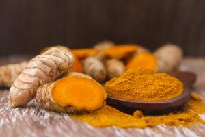 Podle ajurvédské medicíny je kurkuma, zejména v kombinaci se zázvorem, velmi vhodná pro dobrou funkci jater.