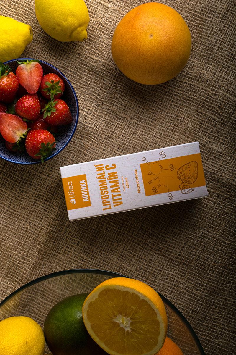 Novinka Liftea Liposomální vitamín C, jejíž předností je také vysoké množství účinné látky. Vdenní doporučené dávce jde o 1000 mg vitamínu C.